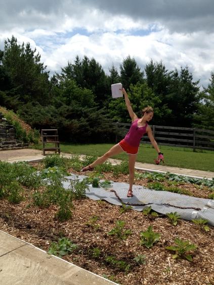 Andrea_Gardendance